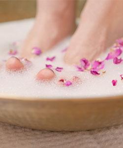 Fußbad gegen heiße Füße